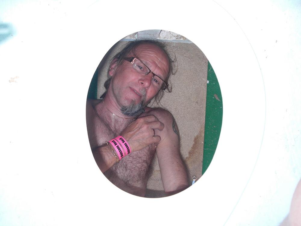 Petite pause entre deux soirées de boulot, Chiotteman Chef roupille dans ses latrines :